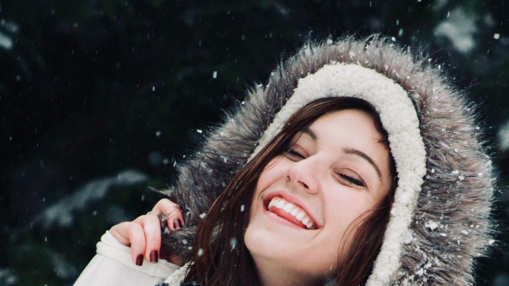 Fixing Broken Teeth: All You Need to Know About Veneers, Crowns & Implants